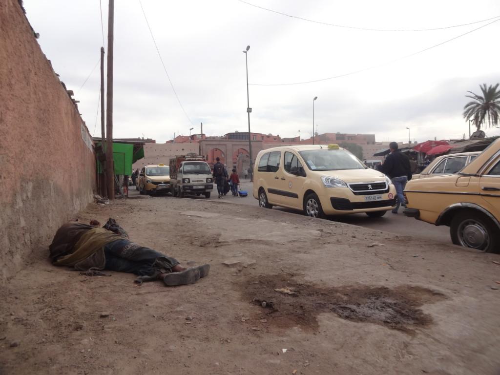 Odpočívající bezdomovec